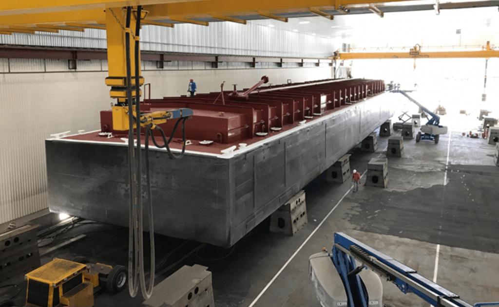 Robot de chorreado para barcos